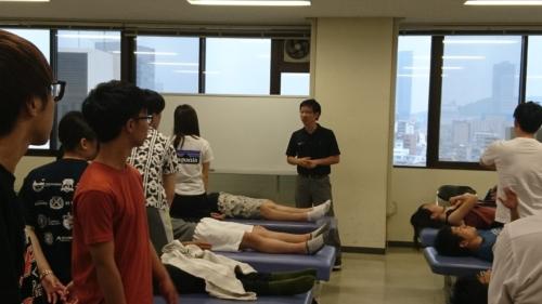 広島大学理学療法学専攻で実技講義
